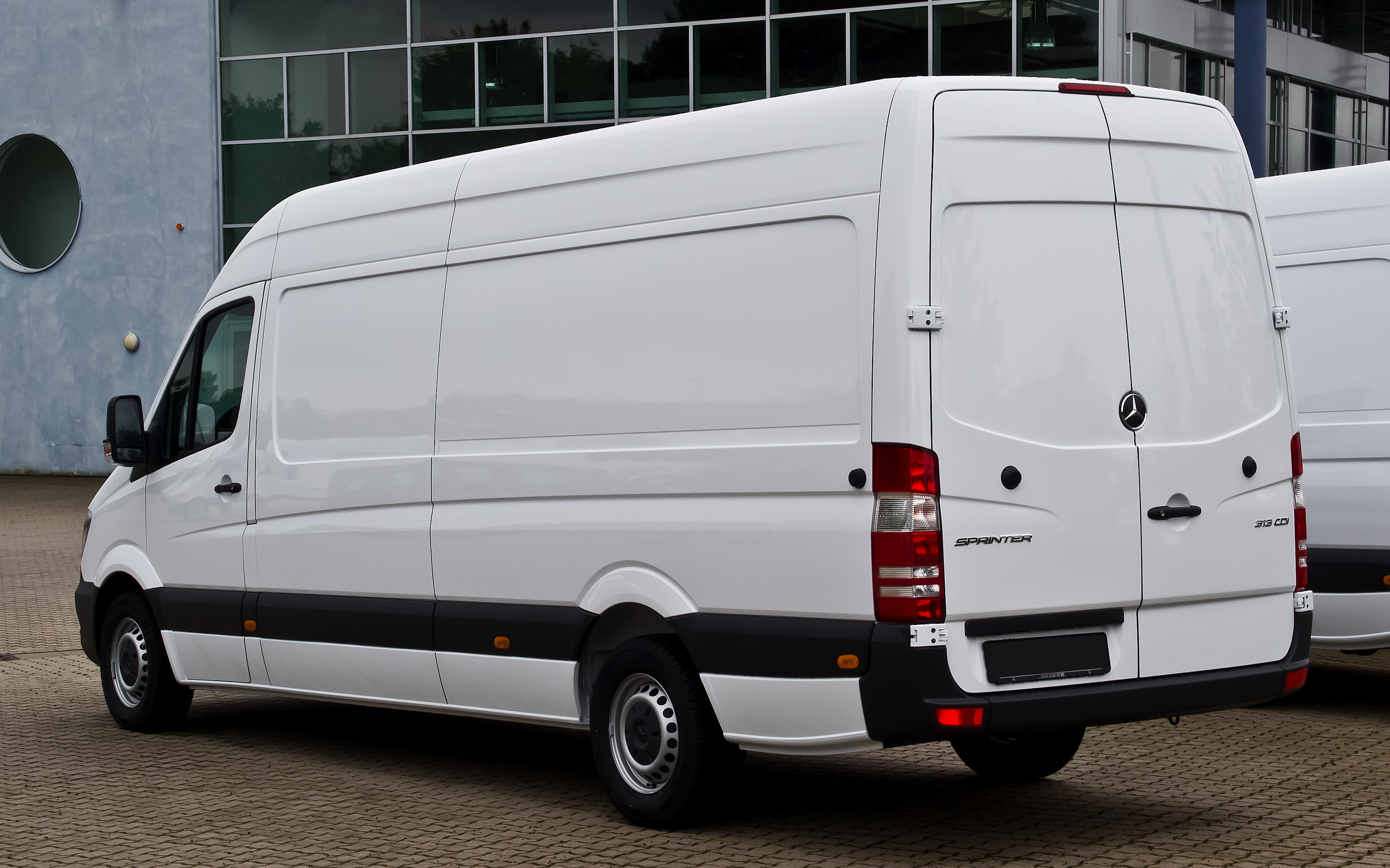 leasing a van take a look at the mercedes sprinter. Black Bedroom Furniture Sets. Home Design Ideas